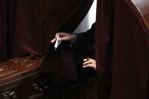 Renzi insiste su Mattarella: oggi un voto, domani due