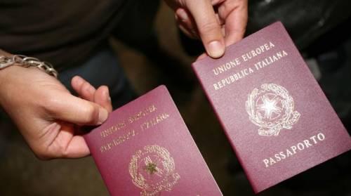 Così funzionava la fabbrica (illegale) della cittadinanza italiana