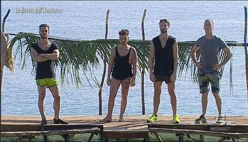 Triangolo all'Isola, Fanny e Charlotte litigano per Montovoli
