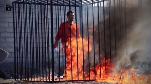 La Hollywood dell'Isis: cosa c'è dietro i video del terrore