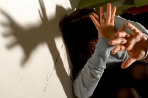 Terni, violenta la moglie e la massacra di botte: marito arrestato