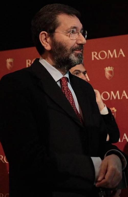 I romani fanno la fila per la casa, ma Marino la dà ai rom