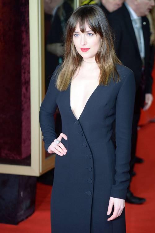 La sexy Dakota Johnson alla premier di 50 sfumature di grigio 13