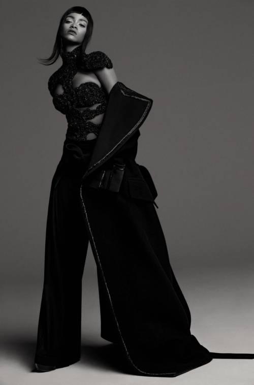 Rihanna modella bondage 6