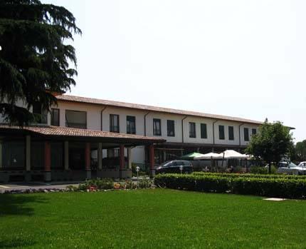 Gorizia, l'albergo che ospita i profughi 3