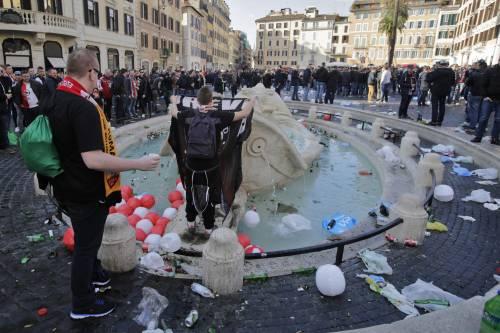 Devastazioni a Roma, i tifosi del Feyenoord non saranno processati