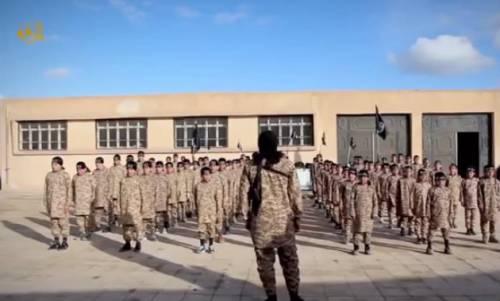 Isis, bambini di 5 anni reclutati e addestrati