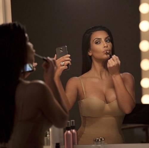 Kim Kardashian foto private con Kanye West 2