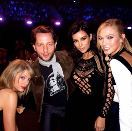 Kim Kardashian foto private con Kanye West 19