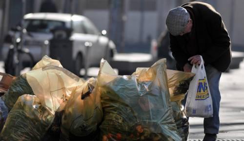 La truffa degli abiti per i poveri. Rivenduti con profitti da 3 milioni di  euro IlGiornale.it - Cronache (2 giorni fa) - Claudio CartaldoIl Noe esegue  ... 0334b392b5a9