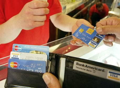 2015, l'anno boom delle carte di credito