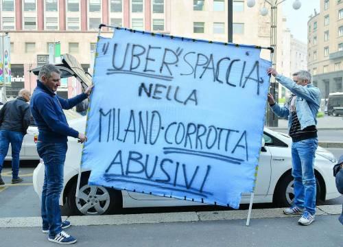 Una protesta dei tassisti contro Uber