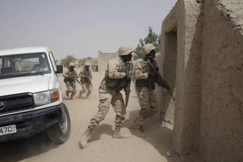 Truppe del Ciad in addestramento con le forze speciali nigeriane