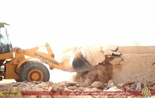 Libia, l'Isis distrugge un santuario sufi 5