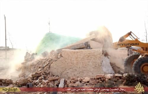 Libia, l'Isis distrugge un santuario sufi 3