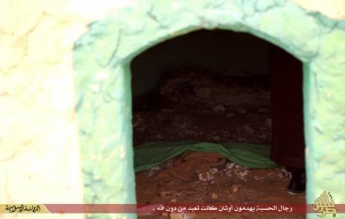 Libia, l'Isis distrugge un santuario sufi 7