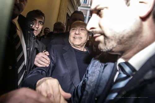 Berlusconi tra i sostenitori a Palazzo Grazioli 3