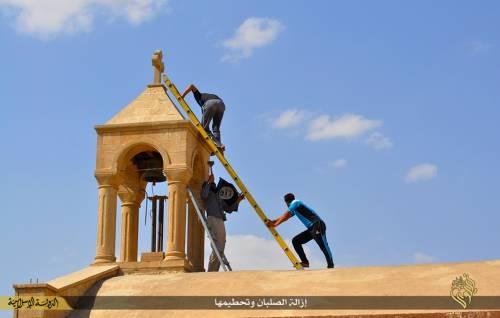 Iraq, la distruzione dei luoghi cristiani 5