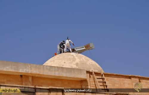 Iraq, la distruzione dei luoghi cristiani 8