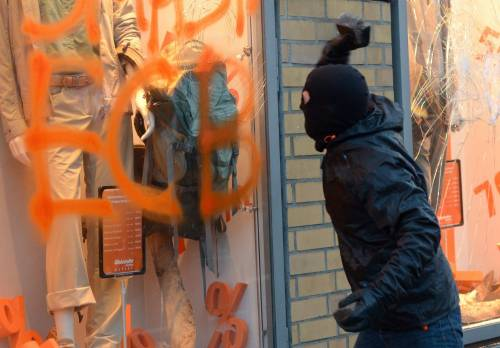 Blockupy, scontri a Francoforte 8