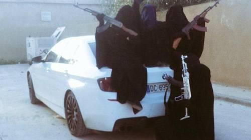 Così vivono le donne dell'Isis 1
