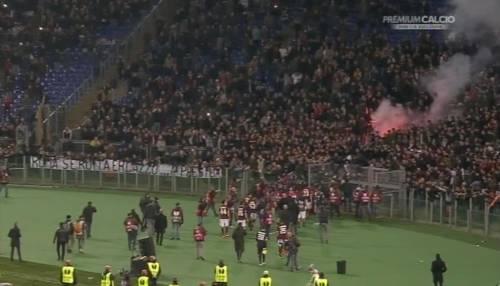 Europa League, faccia a faccia tra i giocatori della Roma e i tifosi 4