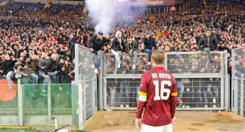 Europa League, faccia a faccia tra i giocatori della Roma e i tifosi 9