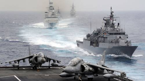 """Isis? L'Italia ha altri impegni"". Renzi volta le spalle a Hollande"