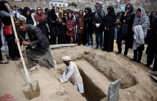 I funerali a Kabul della donna uccisa  5