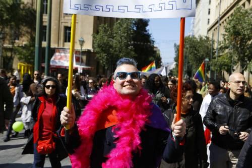 """Bagnasco mette al bando i gender: """"Crea transumani senza identità"""""""