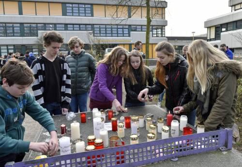 Germania, il dolore per le vittime dello schianto 6