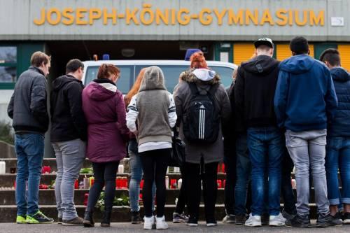 Germania, il dolore per le vittime dello schianto 4