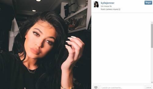 Kylie Jenner, 40 minuti di trucco per labbra turgide 1