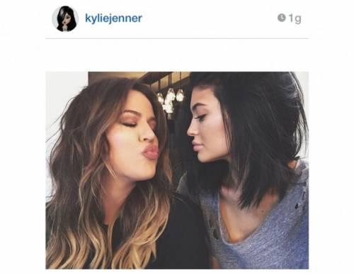 Kylie Jenner, 40 minuti di trucco per labbra turgide 13