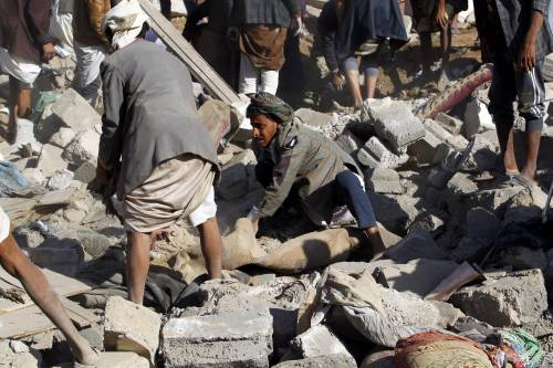 L'Arabia Saudita attacca lo Yemen nella notte 2