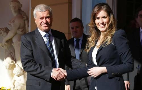 Il ministro per le Riforme Maria Elena Boschi a Cernobbio con il presidente Confcommercio Carlo Sangalli