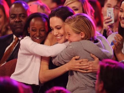 Angelina Jolie torna in pubblico dopo l'operazione 3