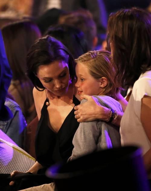 Angelina Jolie torna in pubblico dopo l'operazione 7