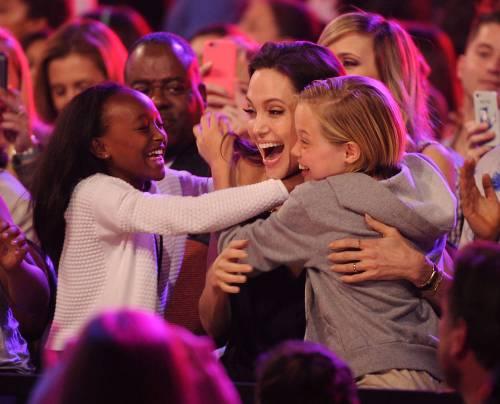 Angelina Jolie torna in pubblico dopo l'operazione 5