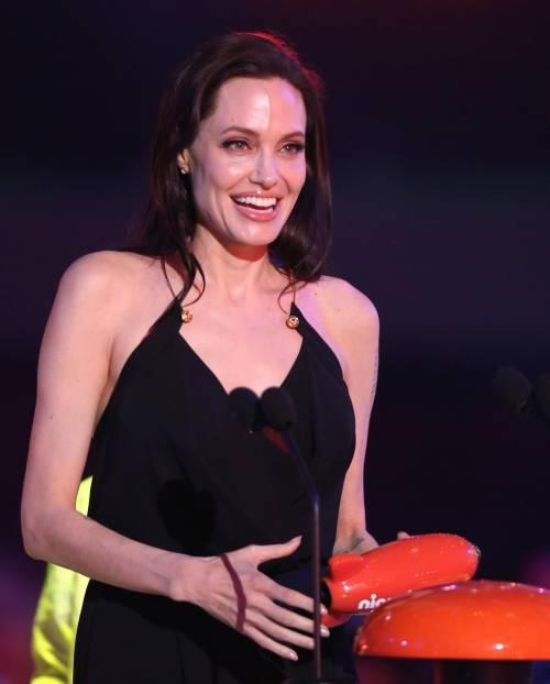 Angelina Jolie torna in pubblico dopo l'operazione 11