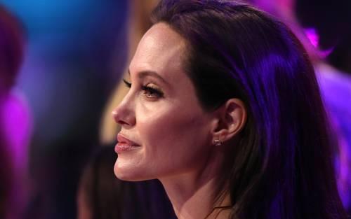 Angelina Jolie torna in pubblico dopo l'operazione 2