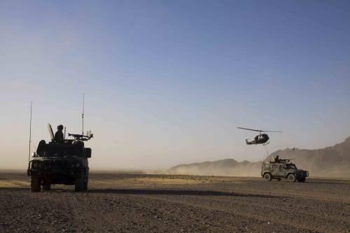 f67dab7903e0 Afghanistan andata e ritorno  le confessioni di un paracadutista ...