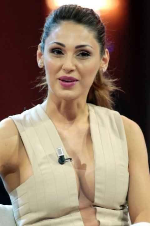 Anna Tatangelo hot da Chiambretti 5