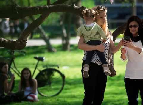 La Hunziker con le figlie 5
