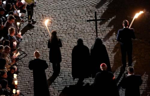 La Via Crucis al Colosseo 5