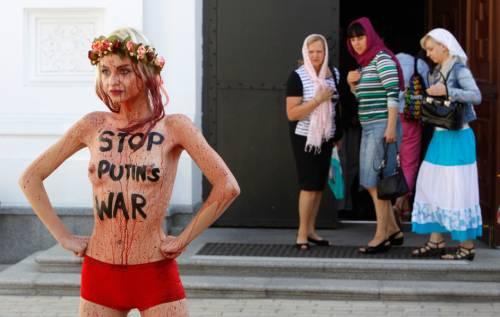 Femen nude: le foto delle proteste 2