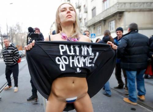 Femen nude: le foto delle proteste