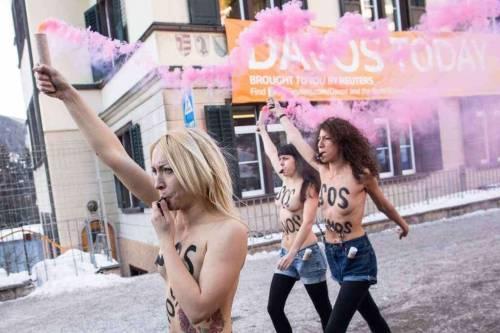 Femen nude: le foto delle proteste 13