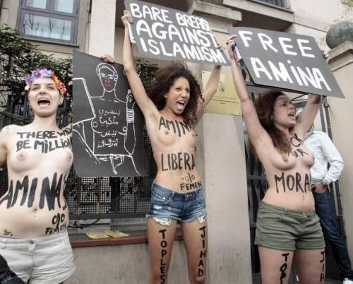 Femen nude: le foto delle proteste 17