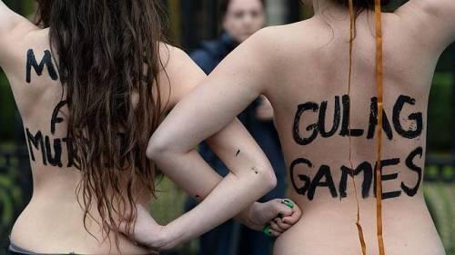 Femen nude: le foto delle proteste 18